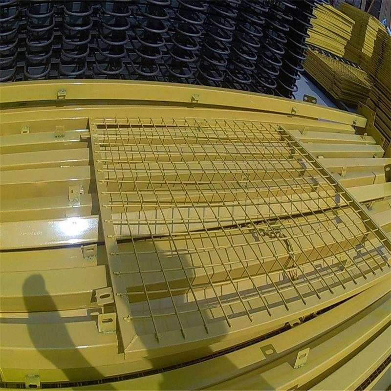 安装隔离网 海口隔离网 足球场护栏网
