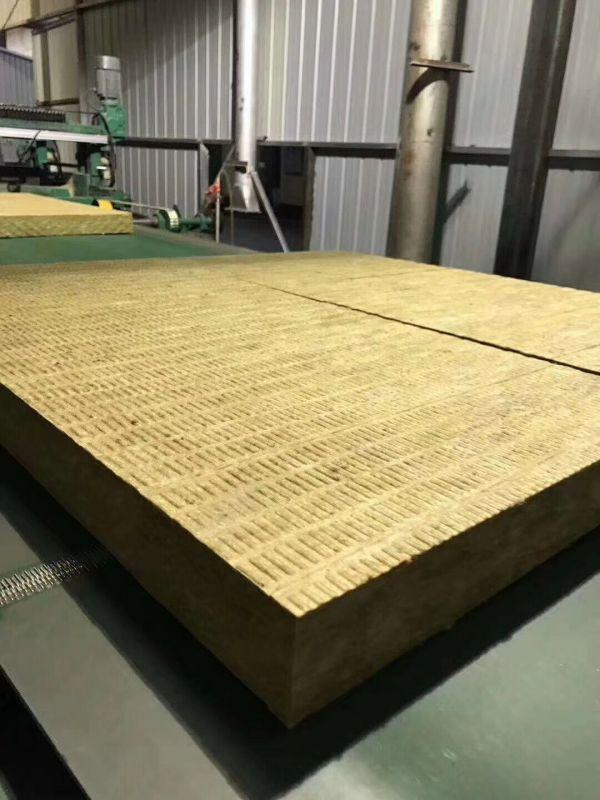 生产岩外墙棉保温板过程
