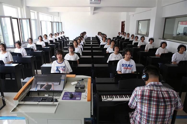 集体钢琴基础弹奏教学系统、数码钢琴教室操作流程说明