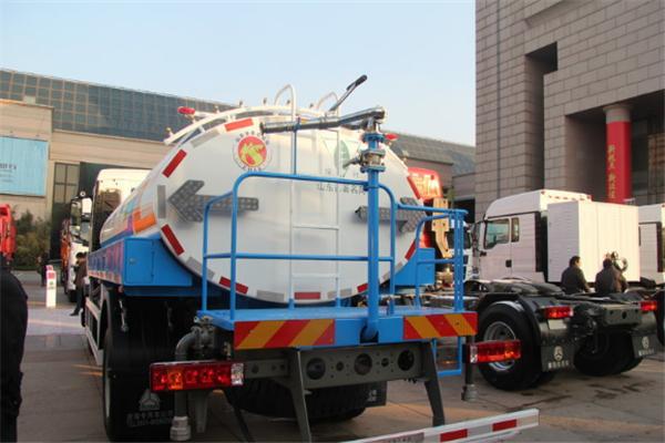 豪沃T5G灑水車介紹