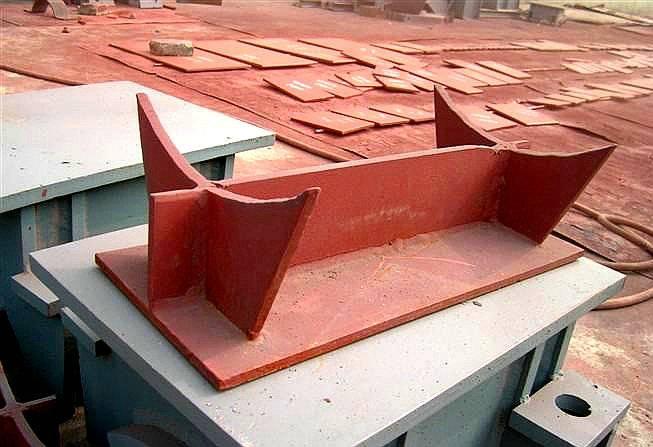 J3加筋焊接型 T型管托 煤化工领域