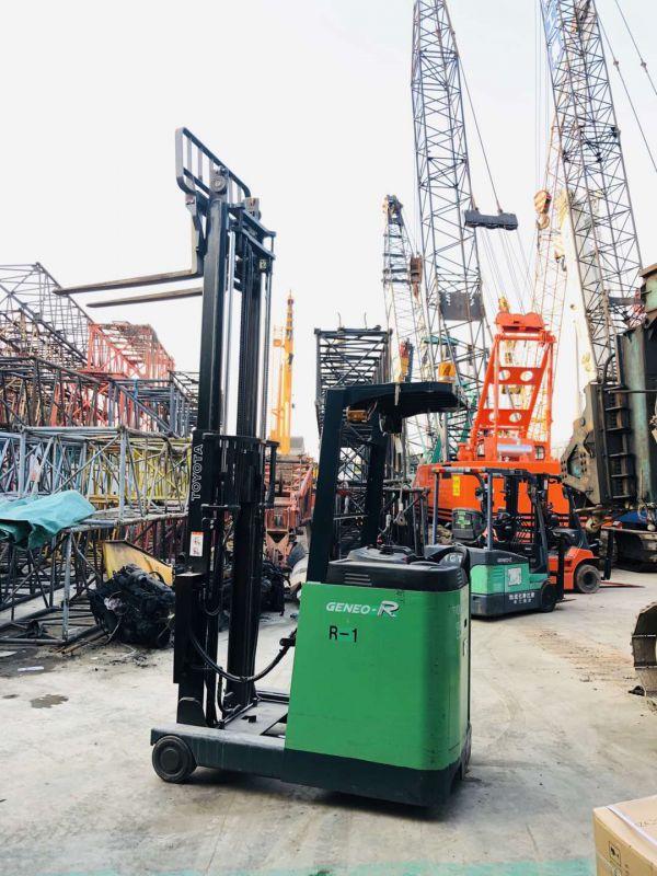 2019年站驾式0.9吨丰田前移式二手电动叉车价格