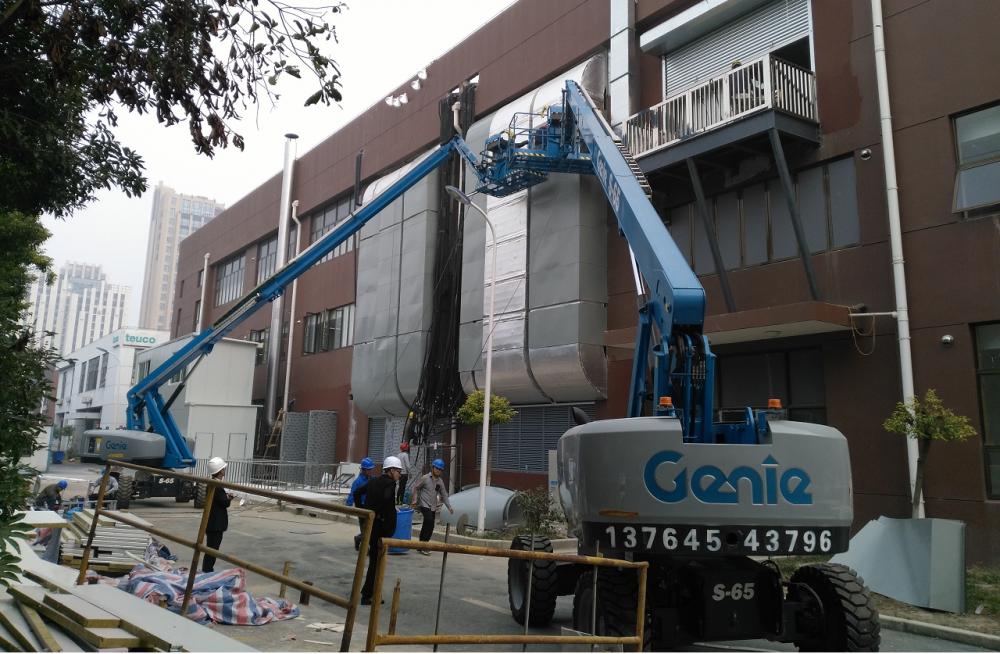 钢结构厂房修建高空作业平台施工案例