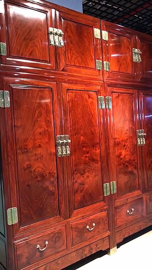 刺猬紫檀獨板四門頂箱衣櫃工廠批發價格中山名琢世家