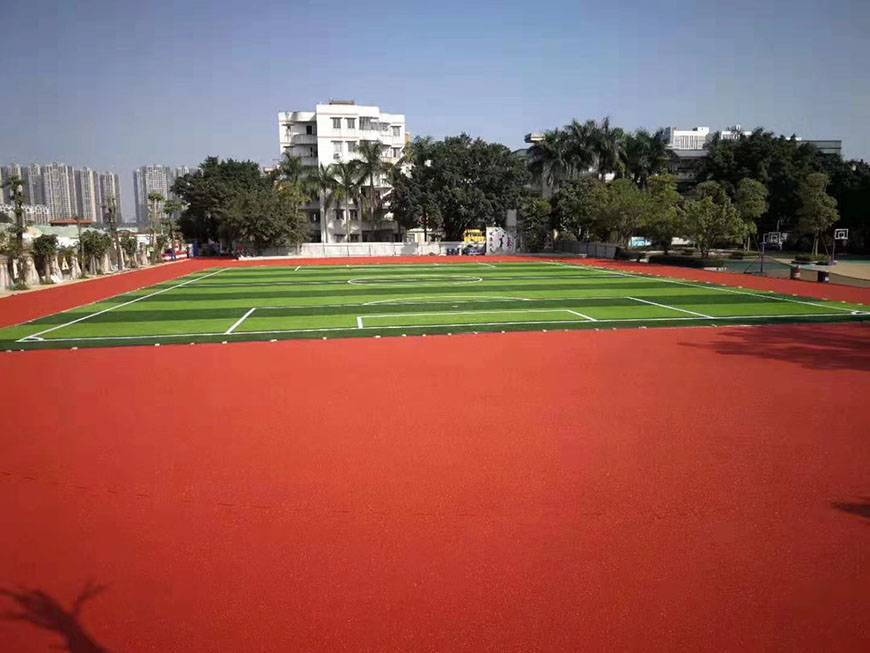 人造草足球场 网球场地可分为几种类型