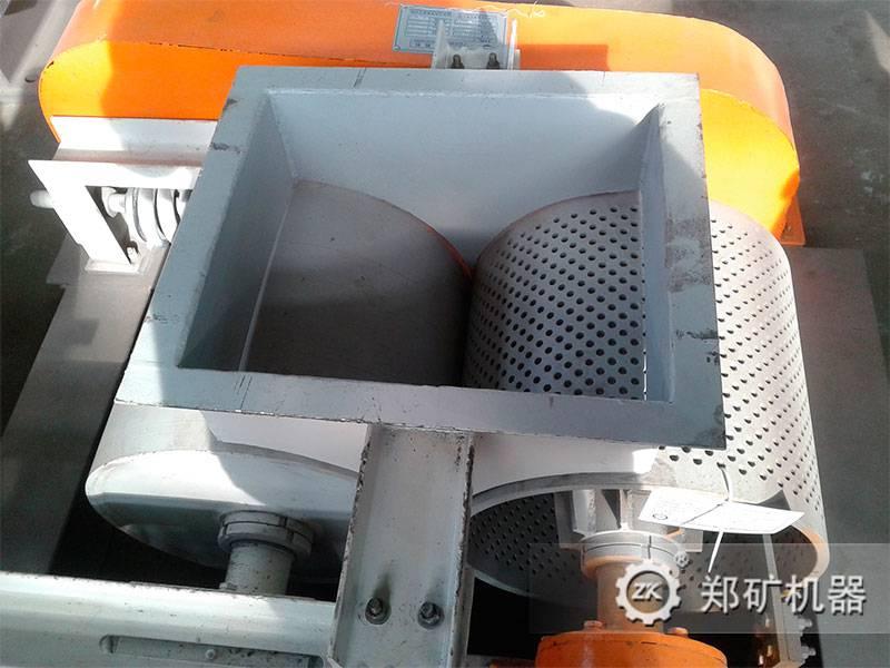郑矿机器对辊挤压制粒机