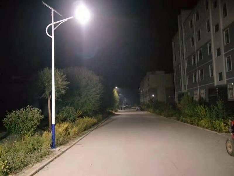 甘肅太陽能路燈,蘭州太陽能路燈多少錢,蘭州6米太陽能路燈
