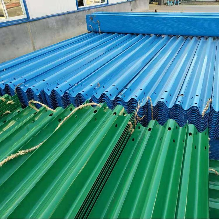 波形护栏、双波三波护栏板、波形护栏板厂家、高速防撞护栏板