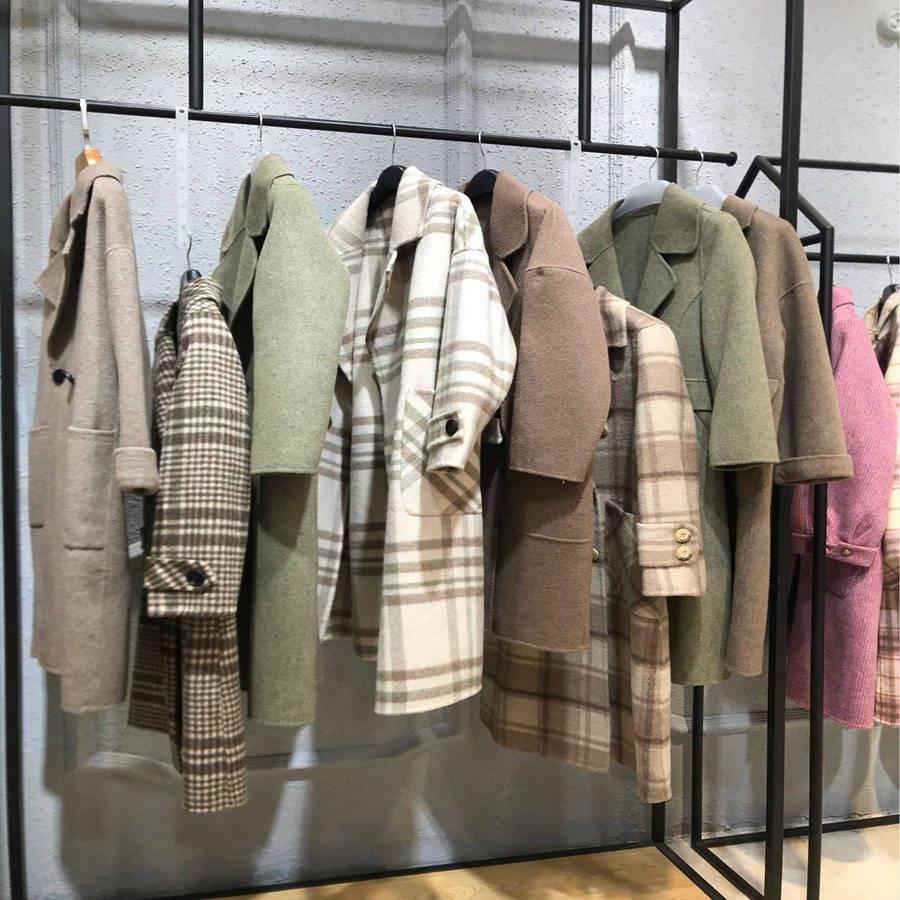 广州十三行服装批发市场 品牌女装加盟店货源 设计师原创高端女装多种风格大衣