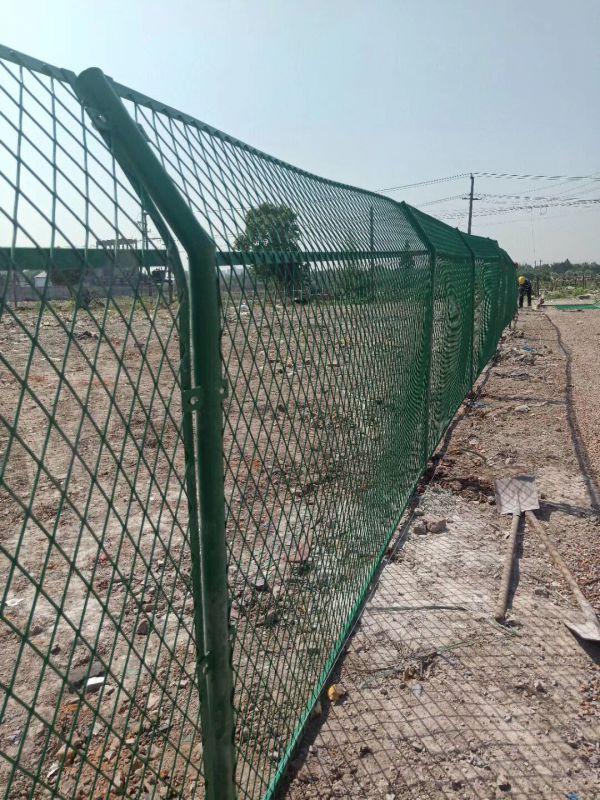 供应绿色围栏网/铁丝网围栏批发/PVC浸塑护栏厂家