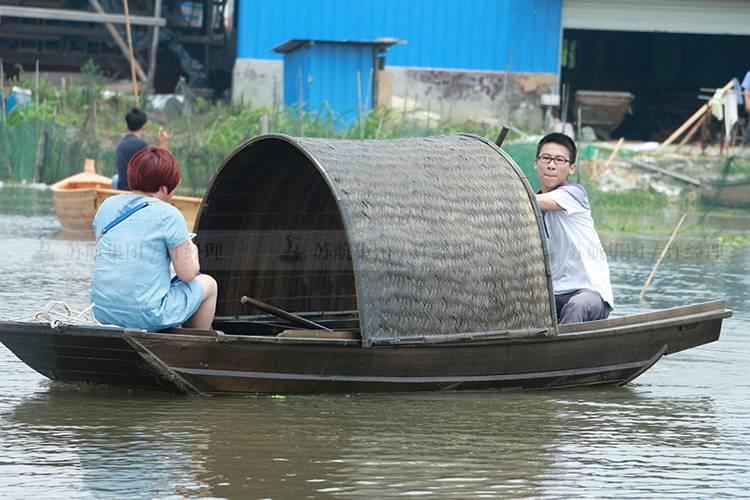 出售仿古小型观光乌篷船摇橹船