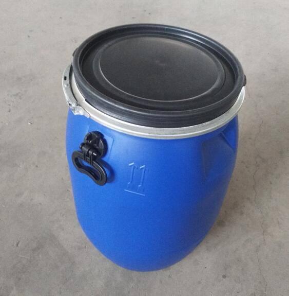 50L抱箍塑料桶生产现场