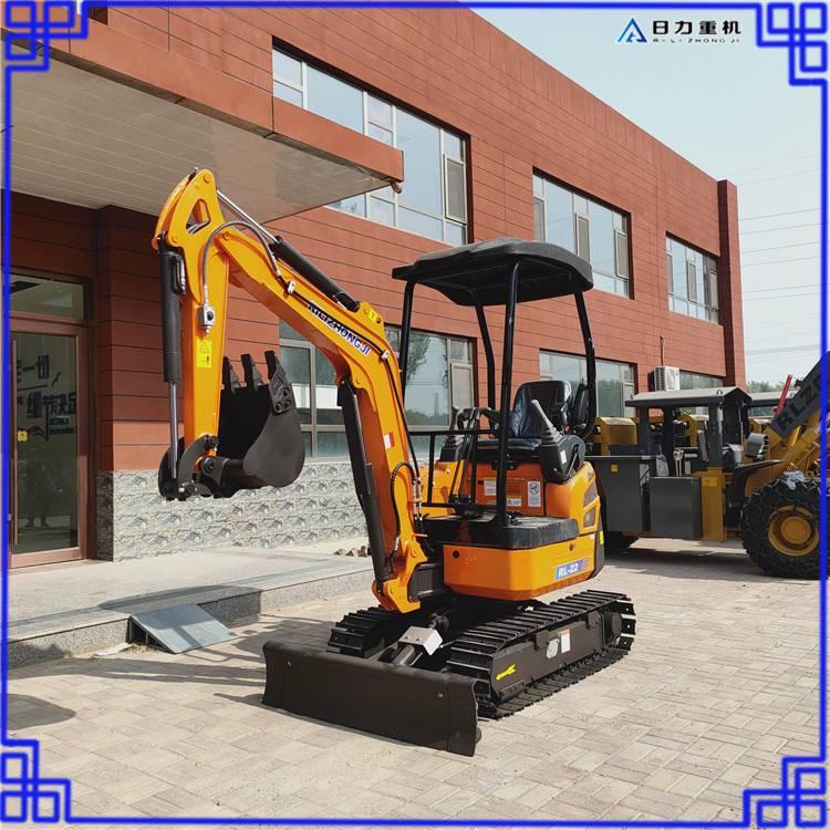 挖掘机带破碎锤可更换各种属具园林开采微挖大臂可侧摆挖掘机
