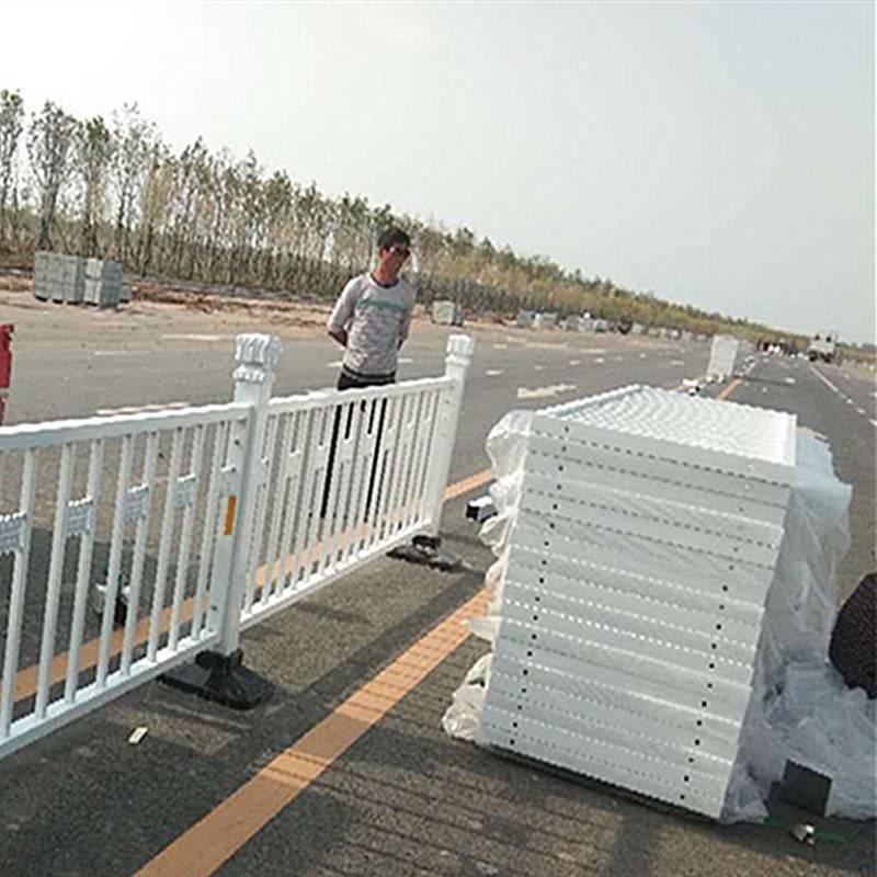 河南市政隔离护栏厂家 久卓定制销售道路交通栏杆