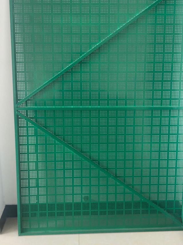 防护爬架网的颜色都有哪些?