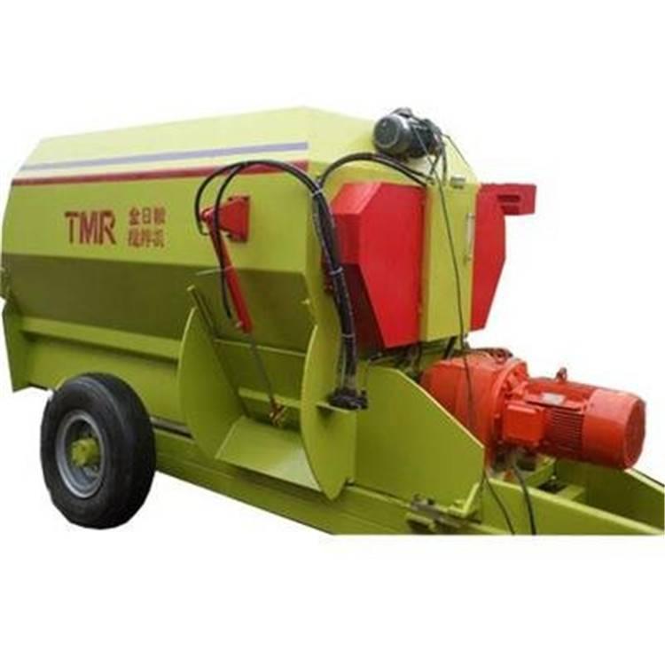 牵引式的草料混合TMR搅拌机