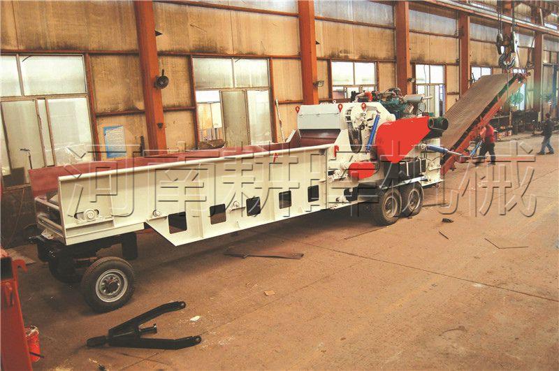 大型移动柴油综合破1300型鼓式破碎机