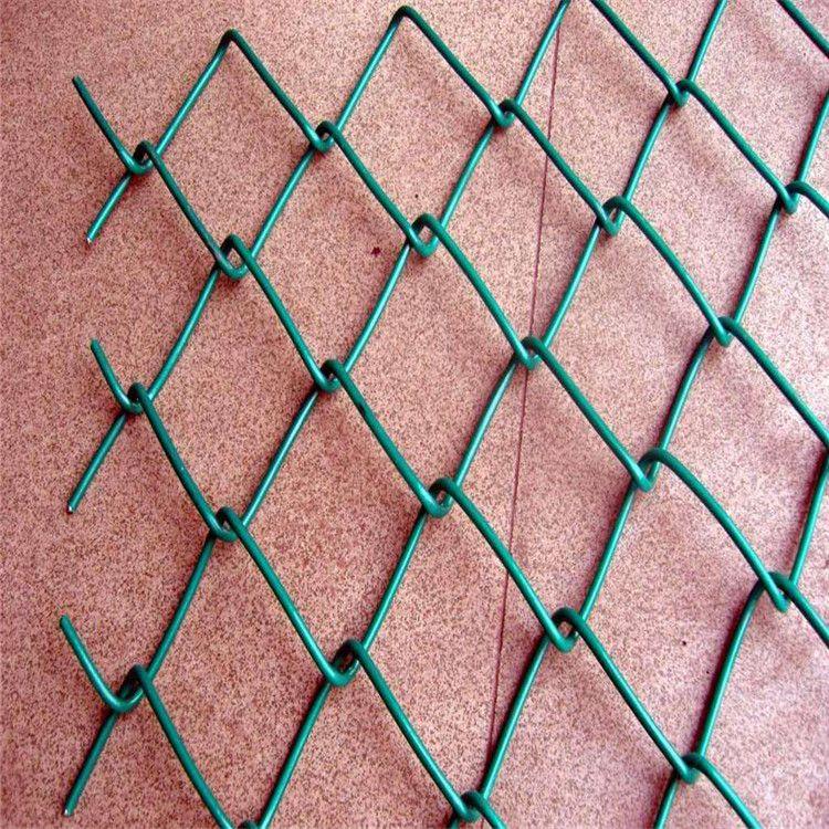 操场围栏网 兴来裹边勾花网 勾花网规格分类