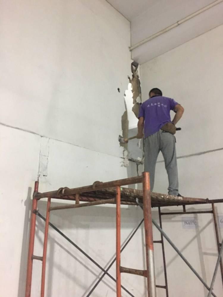 天花吊顶水电安装隔墙隔断门窗工程木制工程地板铺贴地坪漆施工