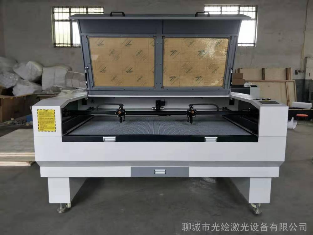 光绘激光CCD全自动摄像头定位激光切割机 绣花布料激光切割机激光设备厂家