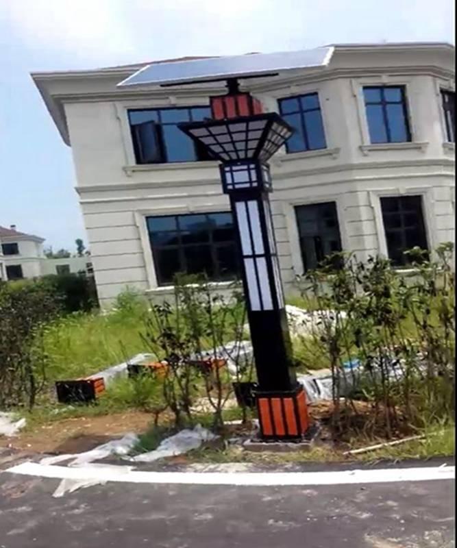 安徽六安市裕安区振华路小区太阳能景观灯安装成功