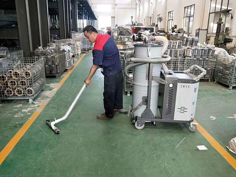 新款脉冲工业吸尘器测试