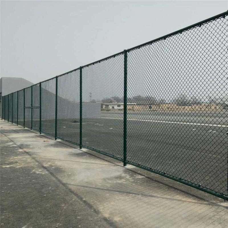 篮球场围网厂家_绿色体育场场围栏供应商