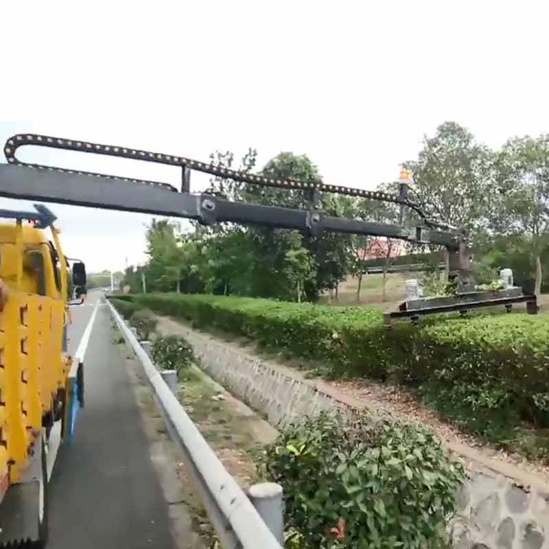 鸿信重工小型绿篱修剪车园林绿化边坡修剪机车载式绿篱修剪机