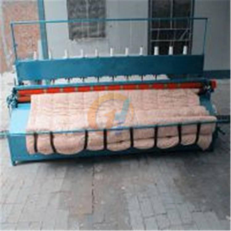内蒙古保暖被绗缝机 直线工整引被机 行距可调2.5米