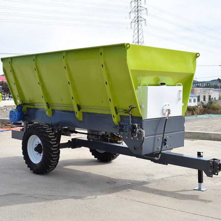 供应大连雨林农用扬粪机 大型撒粪车 有机肥洒肥机
