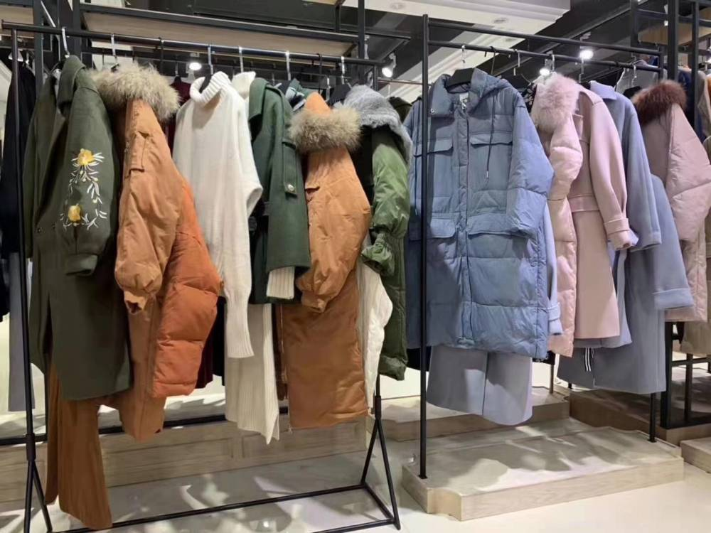 YINER音儿女装2019秋季品牌女装折扣尾货羊毛针织衫
