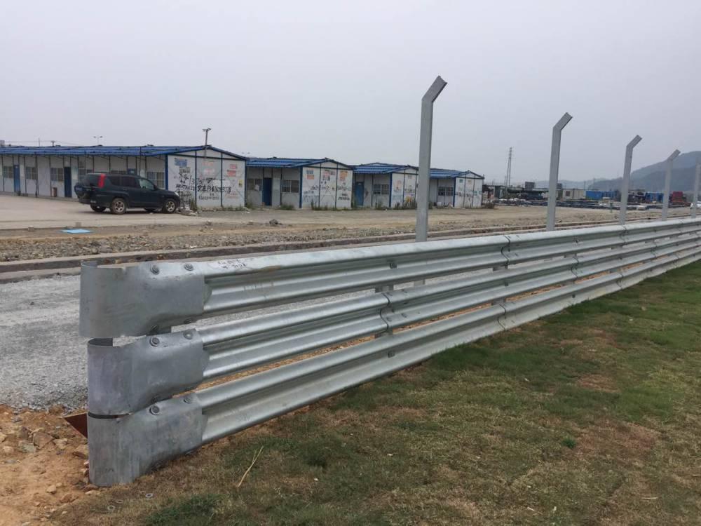廠家直銷波形護欄  防盜護欄   護欄板