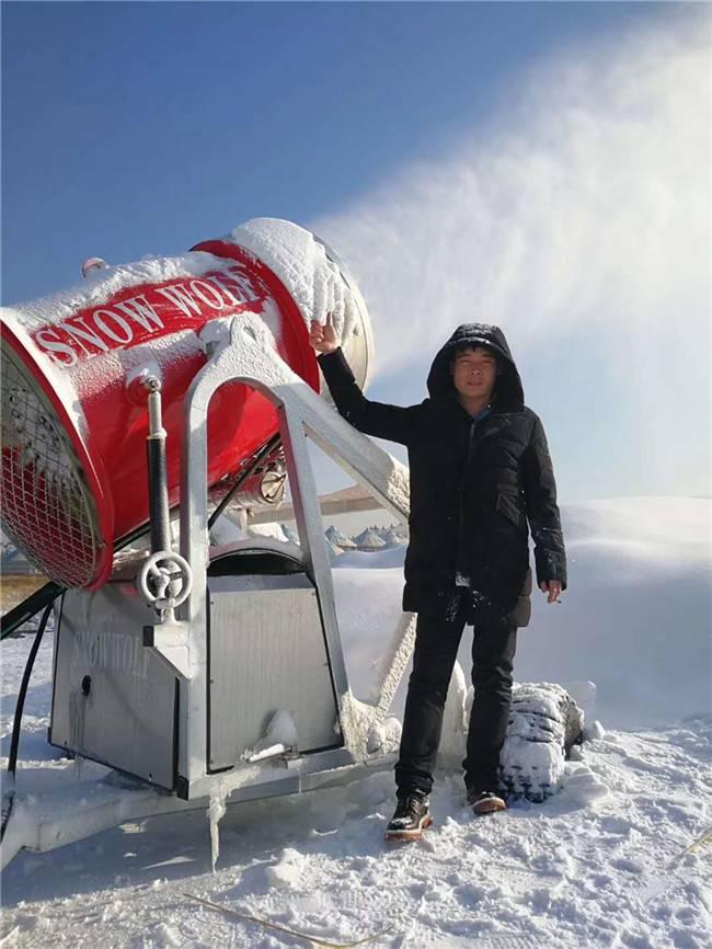吉林長春凈月潭滑雪場雪狼造雪機現場演示實力造雪