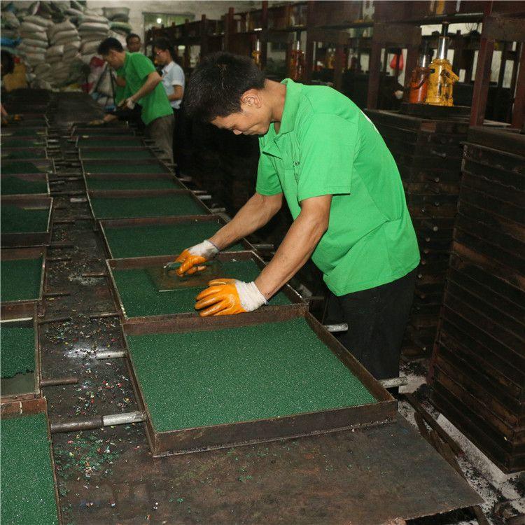 自产自销橡胶地垫,可包工包料。