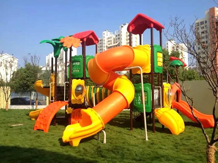 江西户外大型组合滑滑梯安装 赣州幼儿园工程塑料环保滑梯厂家定