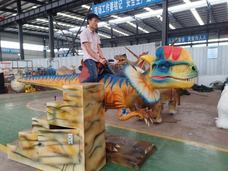 大型商场骑乘恐龙仿真硅胶恐龙大型游乐互动道具出租租赁