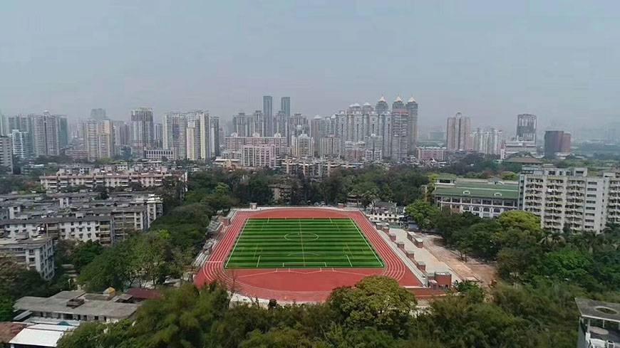 中国联通咸阳分公司二期丙烯酸篮球场与羽毛球场峻工
