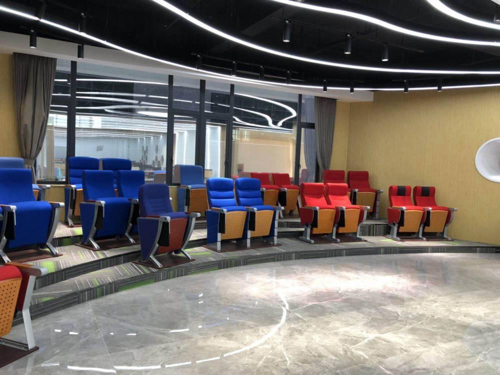 本厂专业生产礼堂椅 、剧场椅、影院椅
