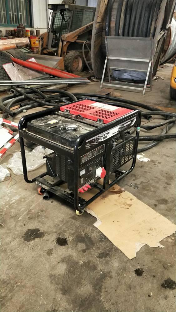 双缸风冷汽油发电机车间测试
