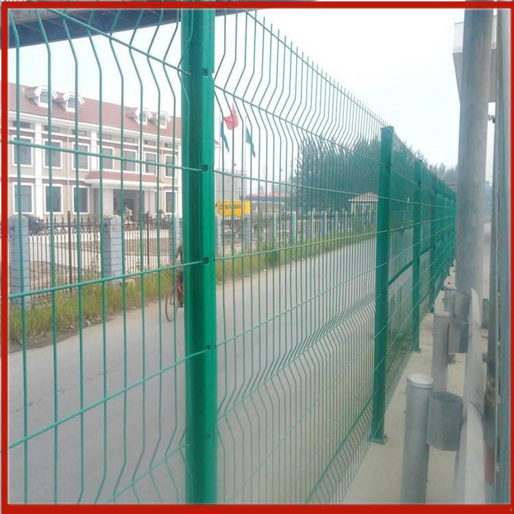 护栏网重量 名丰护栏网厂 围栏网批发市场