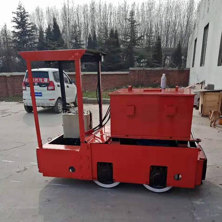 2.5噸礦用電機車 蓄電池牽引電瓶車 宏圖機械廠家直銷