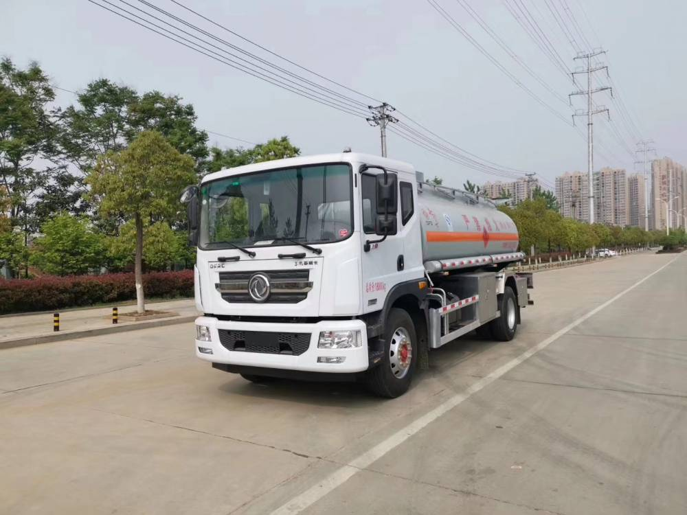 东风10吨油罐车厂家直销大甩卖