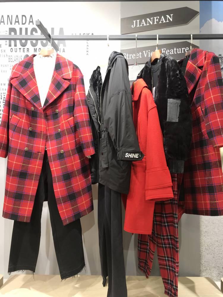 珞炫19冬装 品牌折扣女装尾货批发 高端女装进货渠道尾货批发