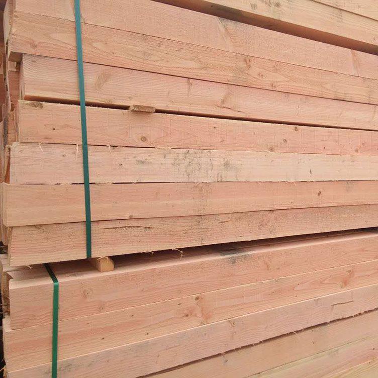 建筑木方加工視頻,紋路清晰,不易斷裂,工廠現場加工