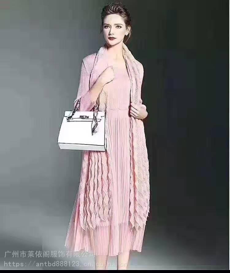 女装风衣品牌折扣女装货源连衣裙礼服洋气外套