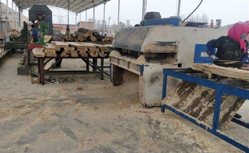 木材加工厂木方生产视频