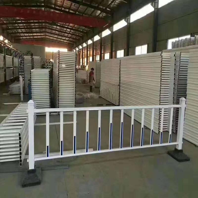 厂家定制市政交通栏杆 市政隔离护栏 久卓现货供应