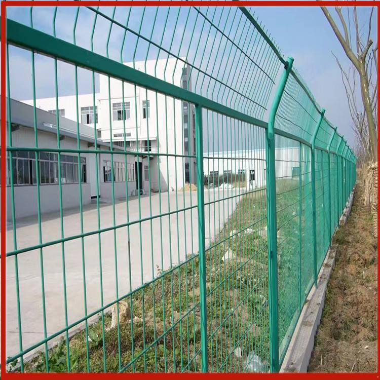 新乡护栏网 车间围栏网图片 鸡网塑料围栏网批发