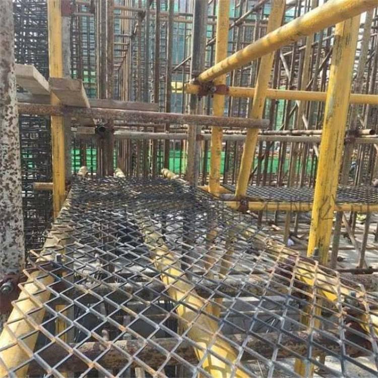 建筑钢笆片安装使用 脚踏网