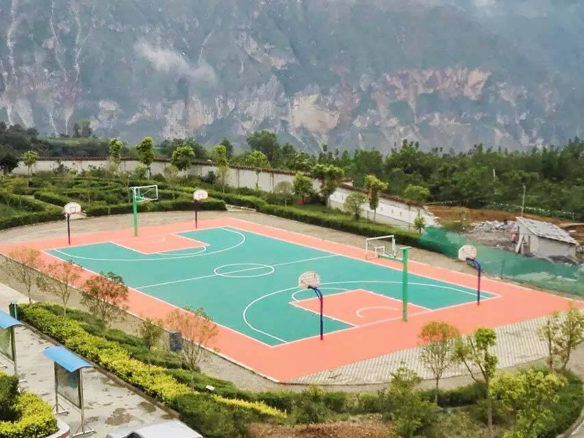 江西抚州硅PU篮球场市场施工价格及塑胶球场围网安装报价